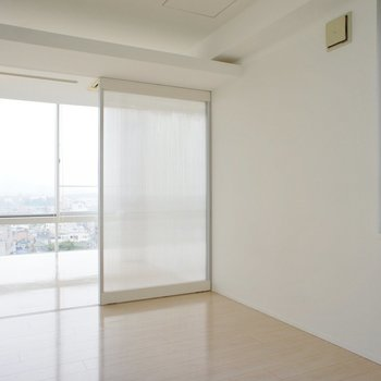 居室に戻って。※写真は6階の同間取り別部屋のものです