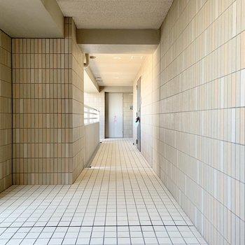 共用廊下はキレイでした!