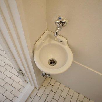 小っちゃい手洗い場が可愛いっ!