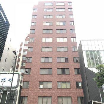 建物はレトロちっくなマンションです