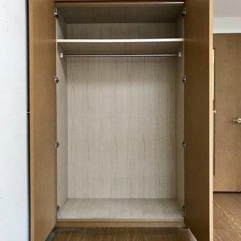 容量あるクローゼット※写真は3階の同間取り別部屋のものです