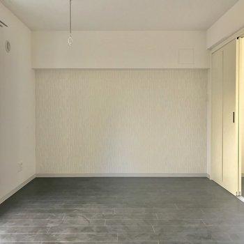 居室と洋室がしっかり分けられるのもいいですね〜※照明未設置での撮影です※写真は3階の同間取り別部屋のものです