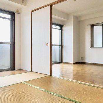 【工事前】開放感がありますね〜!角部屋なのであそこにも窓が