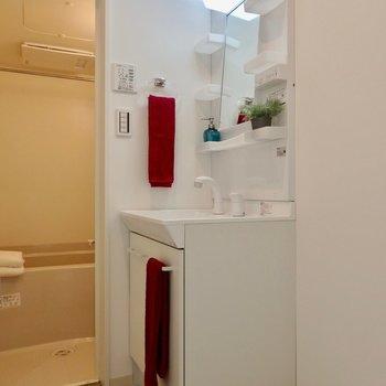 脱衣所に洗面台の導線◎※写真は前回募集時のものです。