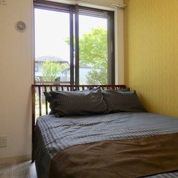 寝室は5帖弱とコンパクト。※写真は前回募集時のものです。