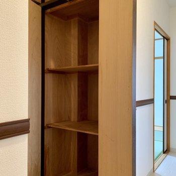 収納が廊下にも!※写真は3階の同間取り別部屋のものです