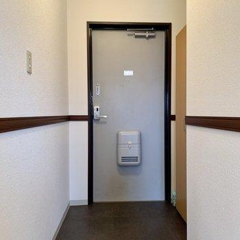 玄関もゆったりめ。※写真は3階の同間取り別部屋のものです