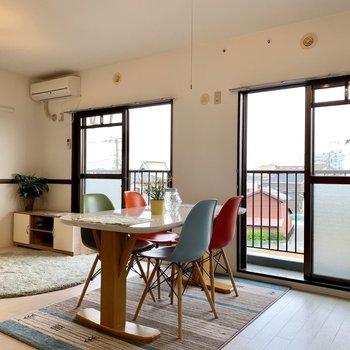 【LDK】窓も2つあり、風通しgood※写真は3階の同間取り別部屋のものです