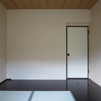 【和室】扉は押し戸だけど、デザインはお部屋に合わせています
