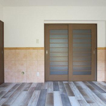 【7.2畳洋室】床のデザインがおしゃれ
