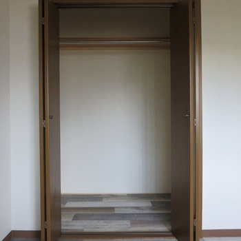 【5.3畳洋室】ひとり部屋なら十分ですね