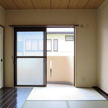 【和室】木の床と畳が一緒なのが不思議~~