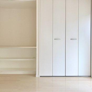 カウンターは扉のない収納のようなものだから頻繁に使うものを置こう。