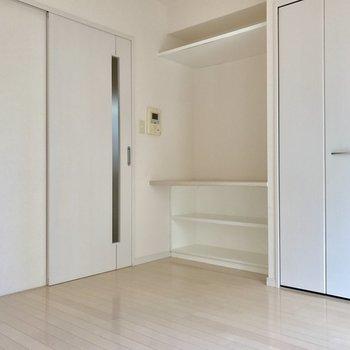 白を基調とした内装。清潔感がありますね。