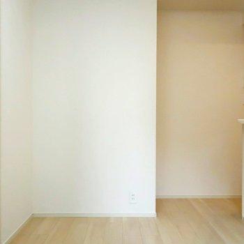 ここにカウンターチェアを用意したいですね◎※写真は4階の同間取り別部屋のものです