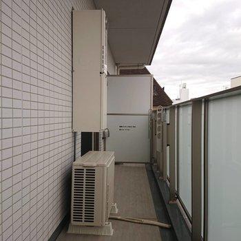 広々バルコニー※写真は4階の同間取り別部屋のものです