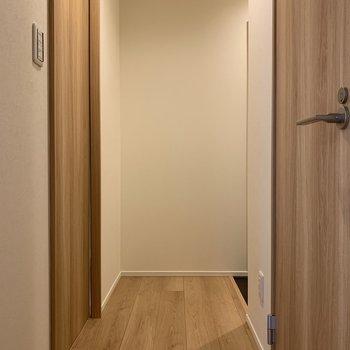 先を行くと玄関になりま〜す※写真は前回募集時のものです