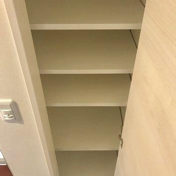 靴収納は少しもの足りない方もいるかもしれません。※写真は1階の同間取り別部屋のものです