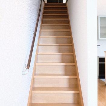階段はストレートに。