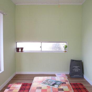 【2F小洋室】こんな風にレイアウトするのもいいですね◯※家具はモデルルームとなっています