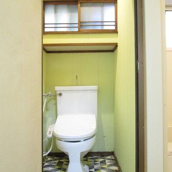 可愛い壁色のトイレです♪トイレのドアは新しくなります。