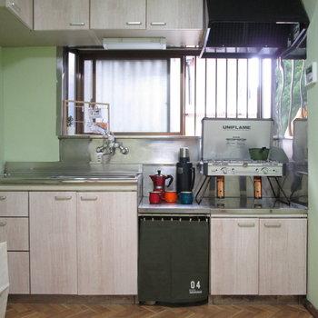 メインはキッチンです。※家具はモデルルームとなっています
