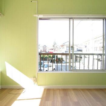 【2F小洋室】可愛い黄緑色のお部屋♬