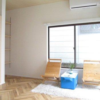 【1F洋室】広さもありますね〜※家具はモデルルームとなっています