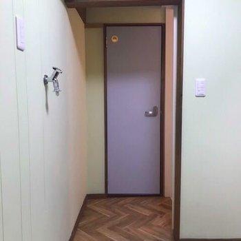 ここの扉をあけると...