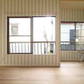 【2F大洋室】3面採光のお部屋があります!