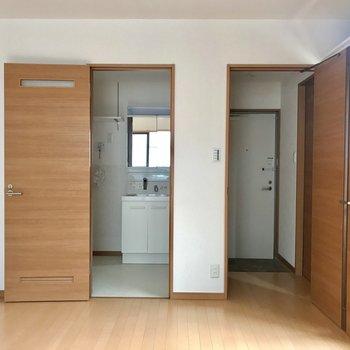 清潔感あります!※写真は2階の同間取り別部屋のものです