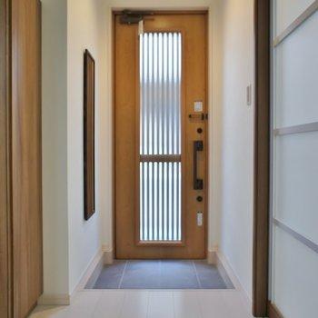 戸建ての様な玄関デザイン