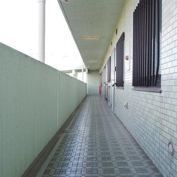 共有廊下も丁寧なお掃除が行き届いています