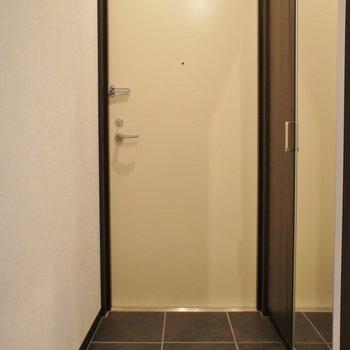 ちょっとラグジュアリーな玄関。