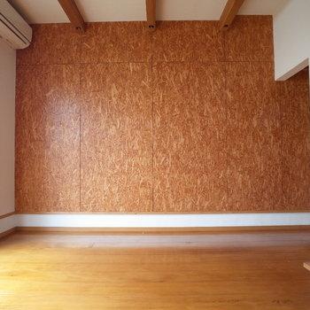 このコルククロスカワイイすぎます・・※写真は1階の同間取り別部屋、清掃前のものです