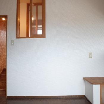 窓があるから光がよく入ります♪※写真は1階の同間取り別部屋、清掃前のものです