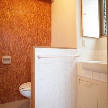 一緒の空間なのはご了承くださいませ※写真は1階の同間取り別部屋、清掃前のものです