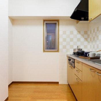【LDK】キッチンスペースもゆったり。