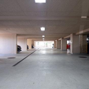 駐車場もゆったり。