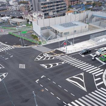 東京外環自動車道がすぐそばです