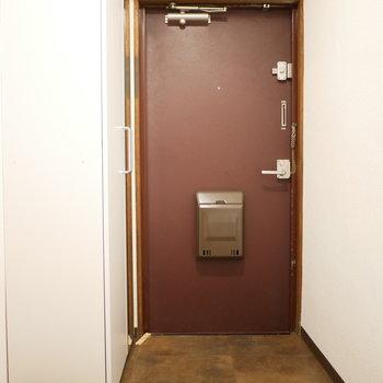 玄関は渋くて落ち着いた雰囲気※写真は前回募集時のものです