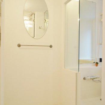 お風呂も3階です!脱衣スペースを経由して。※写真は前回募集時のものです