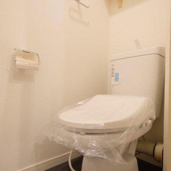 ウォシュレットトイレも新設!!※同間取り別部屋の写真です