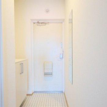 玄関も広々◎※同間取り別部屋の写真です
