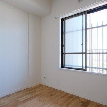 共用廊下側にもお部屋が※同間取り別部屋の写真です