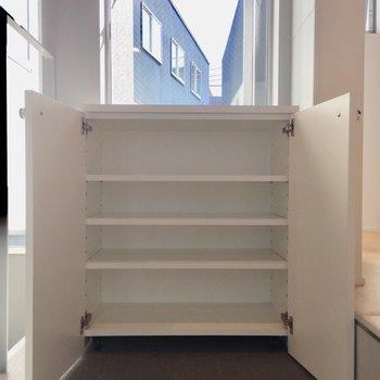 可動式のシューズボックスは2階にあります。※写真は前回募集時のものです