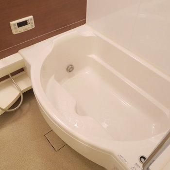 ゆったりとしたお風呂※写真は前回掲載時のものです。