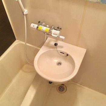 2点ユニットはお掃除がしやすいですよね!サーモ水栓なのもうれしい