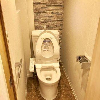 トイレも壁が良い。閉塞感はありませんでした