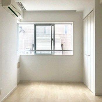 7.6帖の洋室。※写真は4階の同間取り別部屋のものです